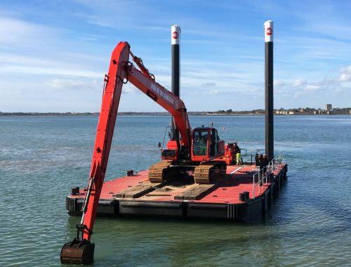 Dredger, dredging modular pontoon.